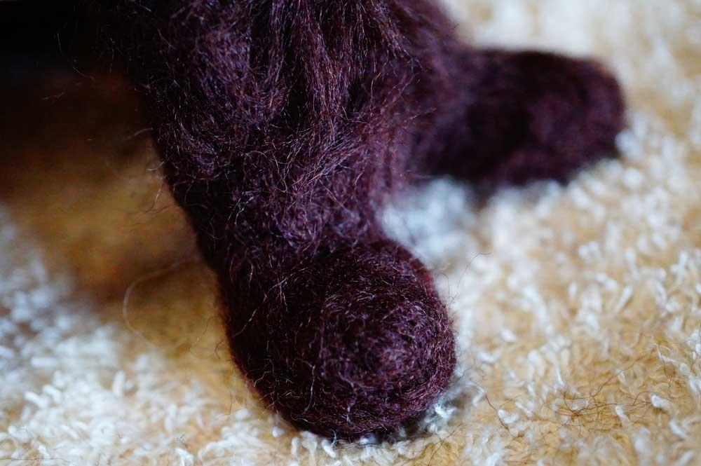 羊毛フェルト 猫の足と手 作り方