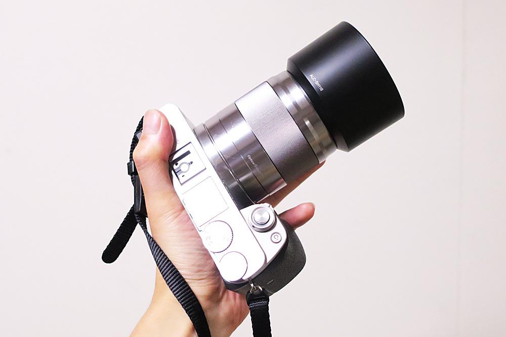 ミラーレスカメラは軽い