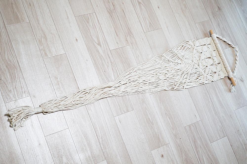 おしゃれな手編みの猫用ハンモック