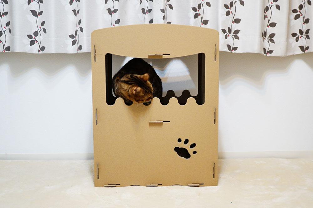 【raku】の猫用爪とぎキャットハウス 後ろ