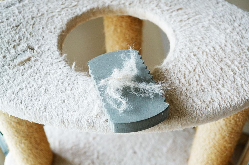 ニトリ ペットの毛取りスポンジ  キャットタワー掃除